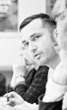 Alex Urban kämpft mit #ichbinhier gegen Hasskommentare im Netz